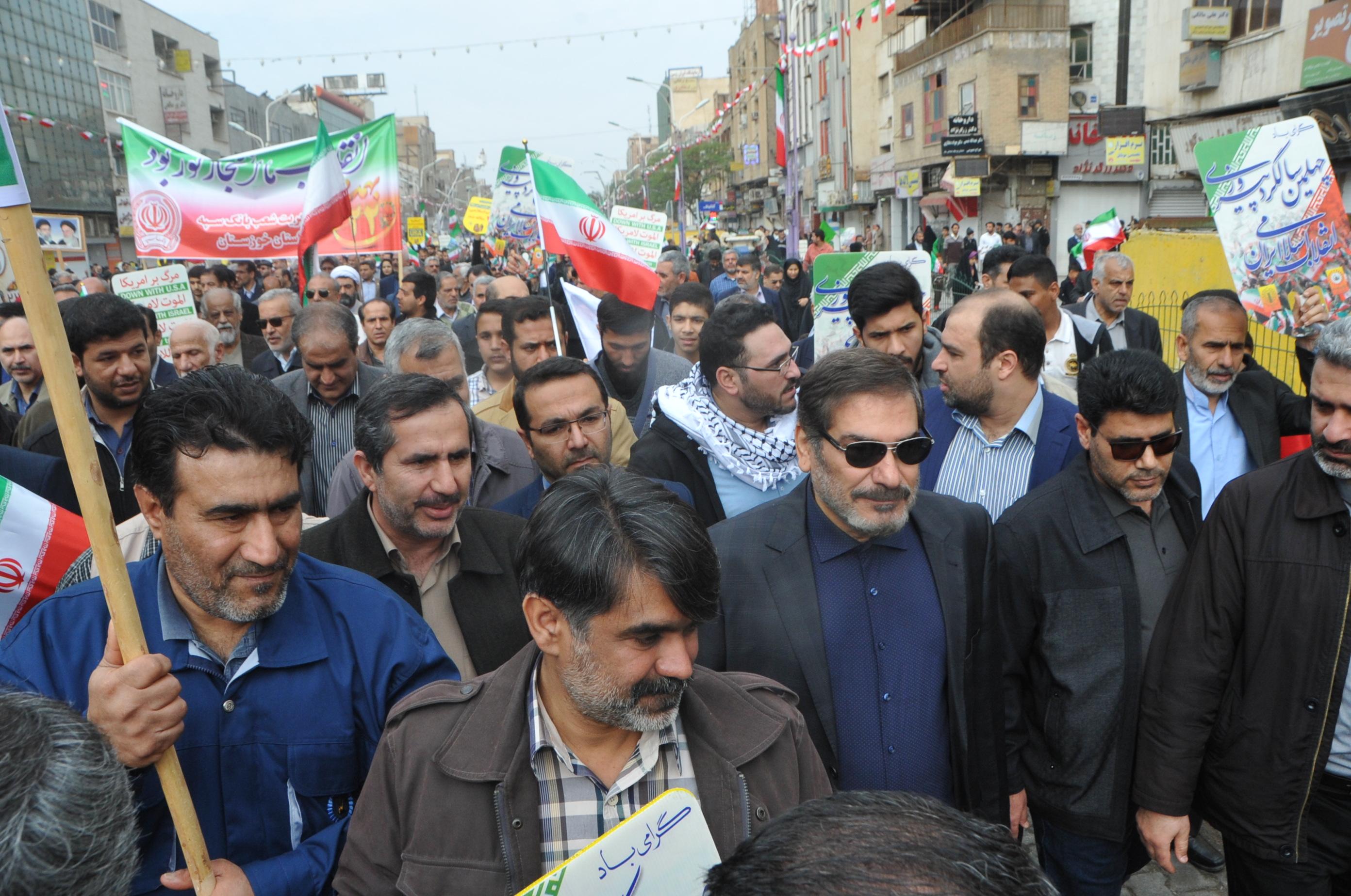 حضور پرشور کارکنان نیروگاه رامین در راهپیمایی 22 بهمن97